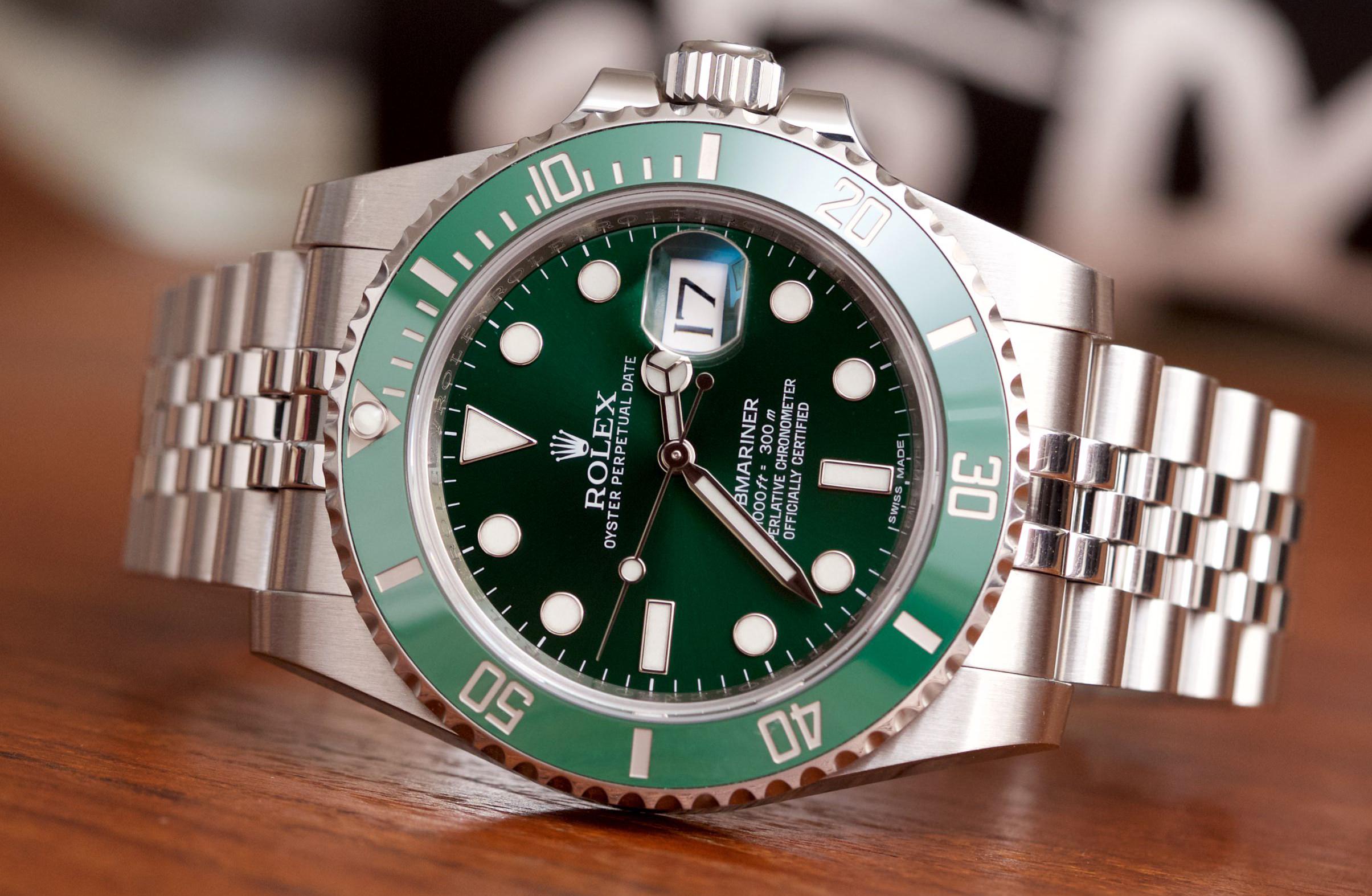 Rolex-116610LV-Jubilee