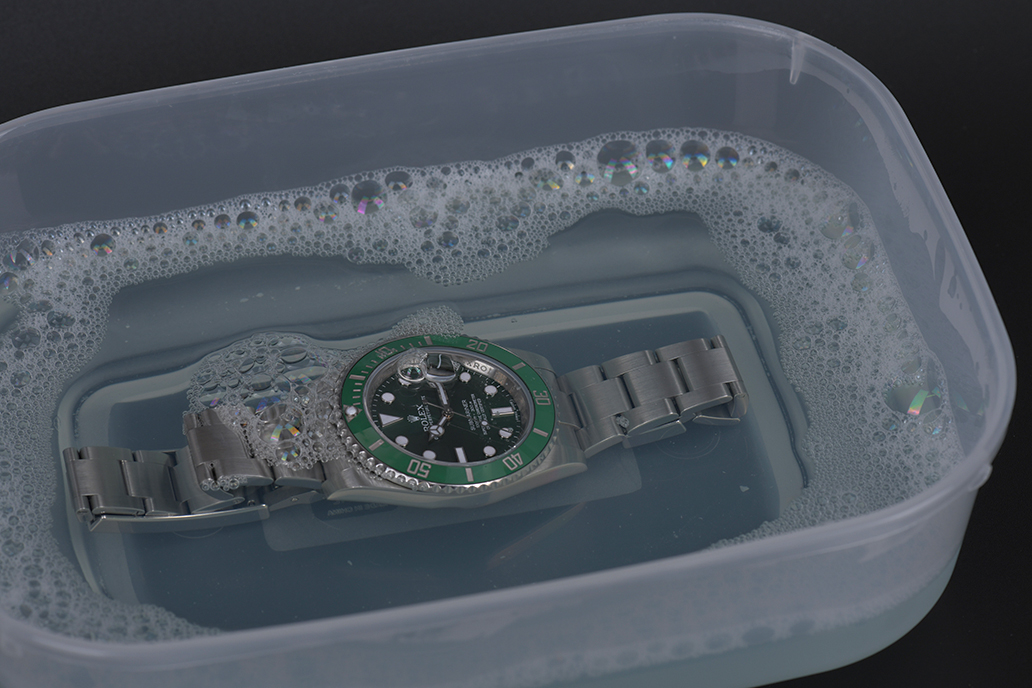 how-to-clean-your-Rolex-5