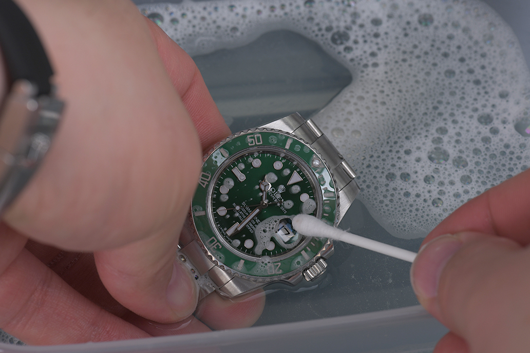 how-to-clean-your-Rolex-7