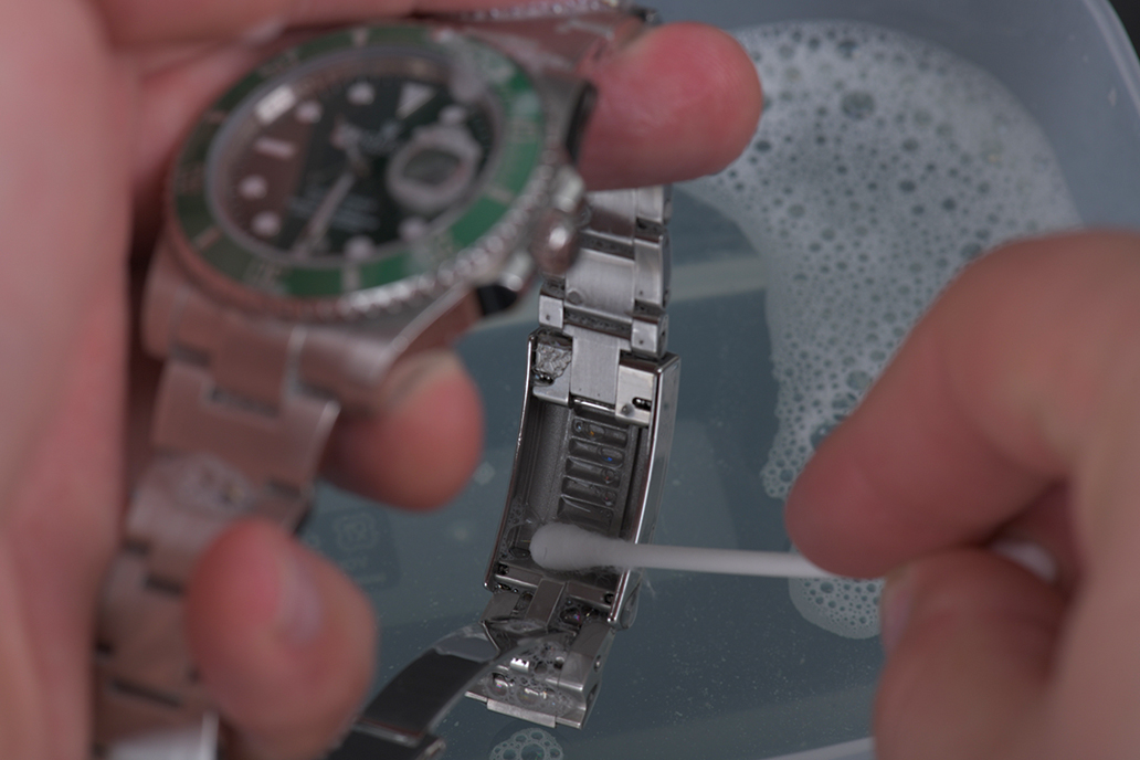 how-to-clean-your-Rolex-8