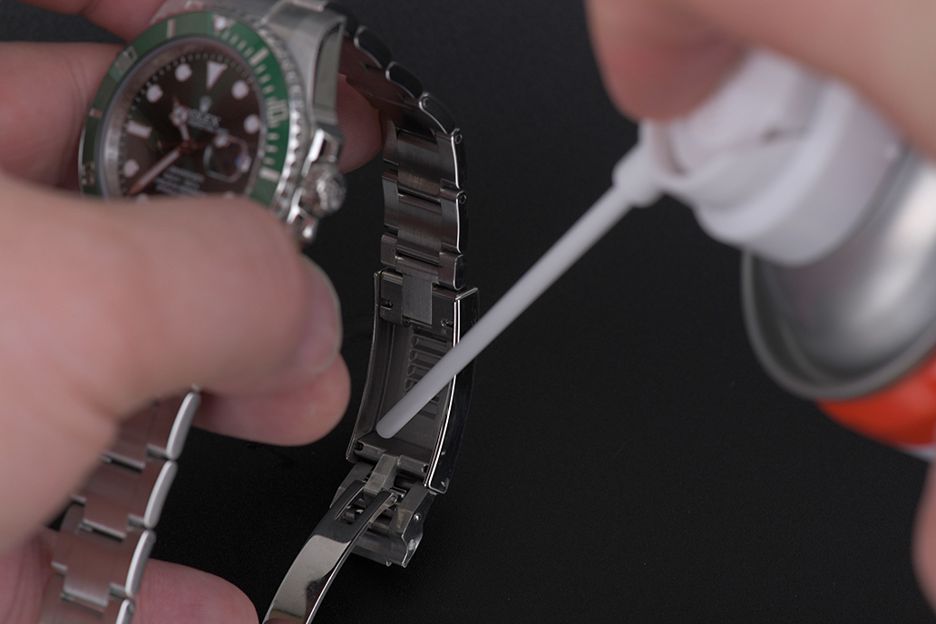 how-to-clean-your-Rolex-10